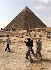 Brandi with the other two EES scholarship recipients Laura and Ellie looking towards the pyramid of Khafra at the Giza Plateau, Egypt.